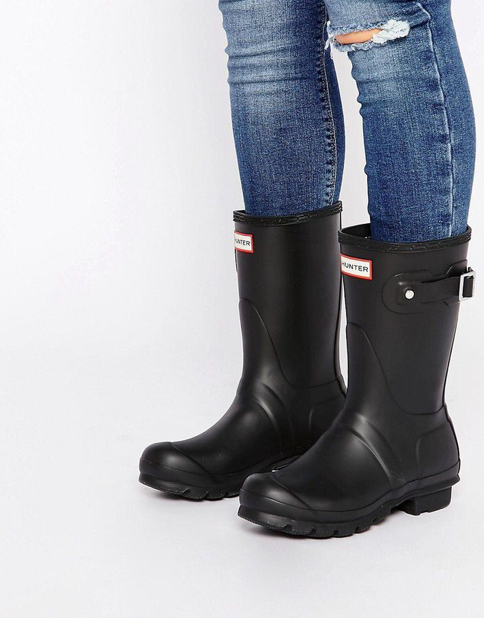 Short Black Hunter Boots With Ripped Jeans , Love this look