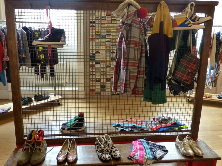 No Johnnie B, brilhantes sapatinhos de leopardo e cheques de lã afiados para os amantes Teen Spirit cair 2013