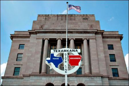 The most photographed post office in the U.S. is in two states! Texarkana Texas - Texarkana Arkansas