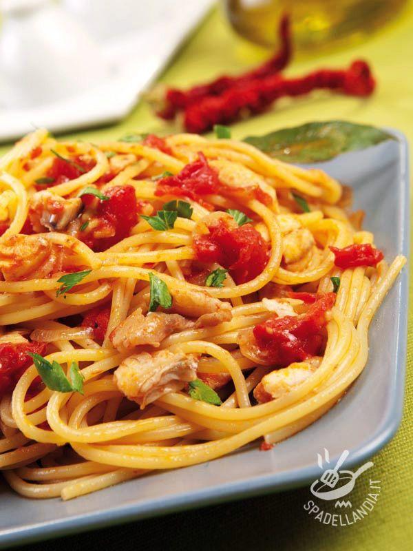 Provate gli Spaghetti alla sogliola nella versione con il rombo o con il pesce San Pietro. Sono tutte e tre ottime, e portano il mare a tavola!