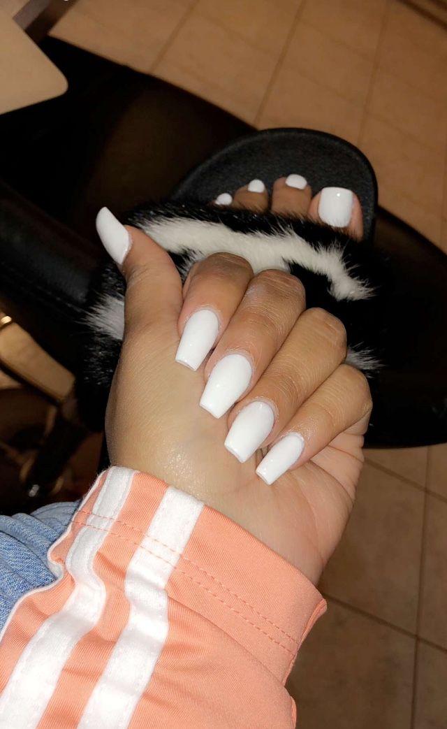 Pinterest Lulsavbbg Claws In 2019 White Acrylic Nails