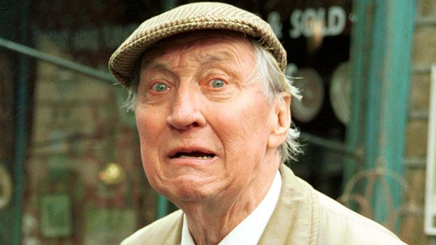 Stephen Lewis, On the Buses' 'Blakey', dies aged 88 - BBC News