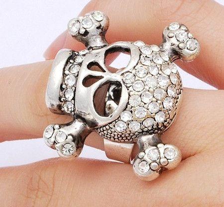 Anel de Caveira Grande com Strass #skull #ring #caveira #anel