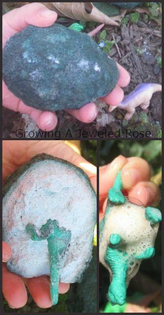 Huevo de dinosaurio. Bicarbonato, colorante y vinagre para deshacerlo.
