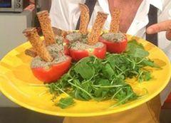 Cuochi per caso...o per forza!!: Pomodori ripieni con mousse di tofu, acciughe e ti...