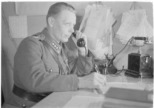 Riihimäen rautatieupseeri kapteeni Pietilä, Riihimäki 13.4.1942. SA-kuva-arkisto.