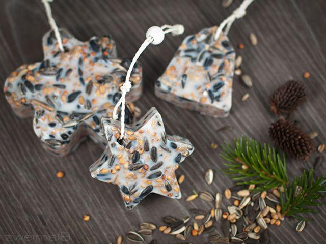 :: zweimalB :: DIY für birdy cookies - Vogelfutteranhänger geformt durch verschiedene Keksausstecher