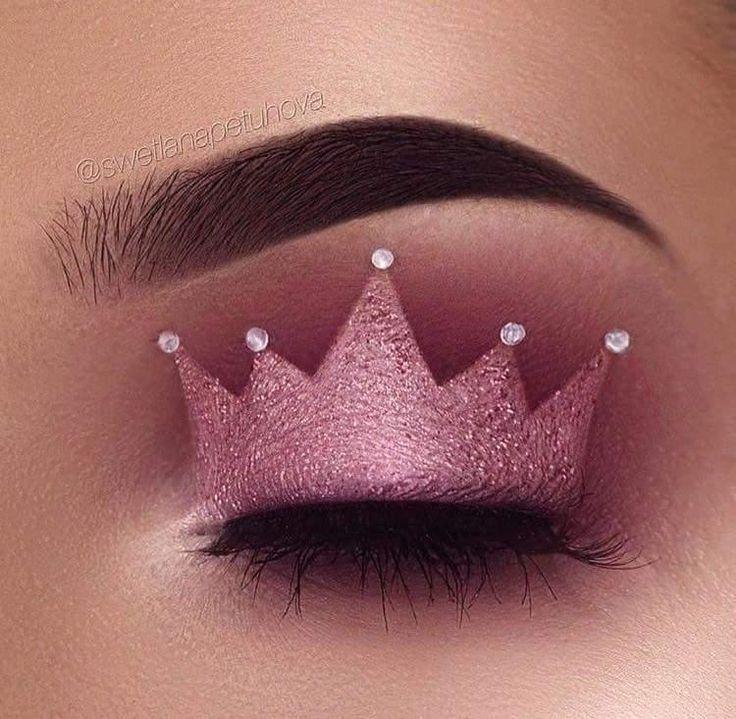 Princess crown eyeshadow