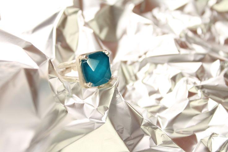 AF7 anillo facetado turquesa #heidipeiranojewlery #coleccioncristals