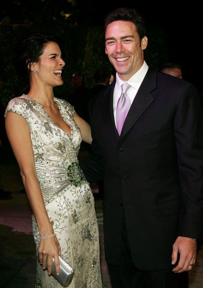 Angie Harmon Jason Sehorn Photos - Actress Angie Harmon and NFL defensive back Jason Sehorn arrive at the 2007 Vanity Fair Oscar Party at Mortons on February 25, 2007 in West Hollywood, California. - 2007 Vanity Fair Oscar Party