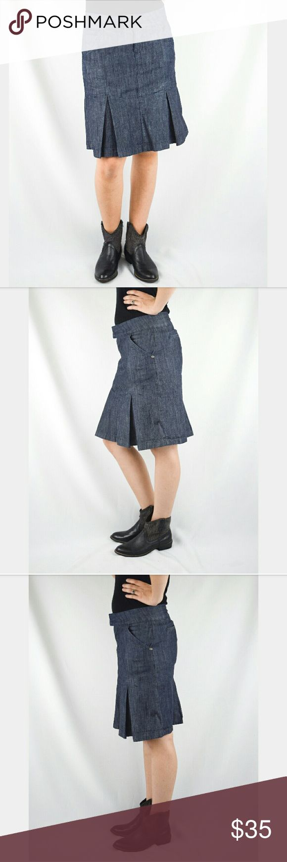 Downeast Dark Denim Pleated Midi Skirt XS Dalring knee length denim skirt. Darker denim. Side and back pockets. Front hidden zipper. Pleated around bottom half, almost gives it a mermaid effect. Inside lined with white and red polka dots. Regular wear but in great condition! Size extra small from Downeast. Length is 20 inches, Waist is 14 1/4, hips are 18 1/4 inches. Measurements are approximate. Open to offers. Downeast Skirts A-Line or Full