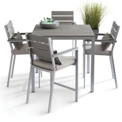 Take your outdoor patio dining experience to new heights with a bar-height dining set.