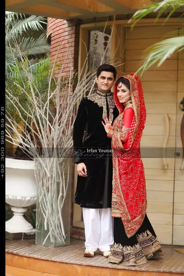 Awesome pakistani couple wd black n red