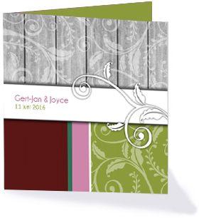 Sierlijke trouwkaart met hout en sierlijke details uit de collectie 'Krul' trouwkaarten.