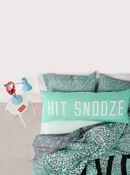 Love the pillow and bedding!