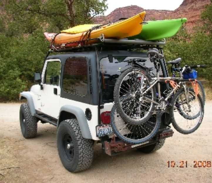 Jeep With Kayaks On Top