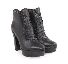 SAGIAKOS Women's Black Leather High-heeled Booties. Γυναικεία ψηλοτάκουνα δερμάτινα μποτάκια.