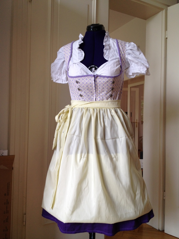 Dirndl 2012 in progress http://entzueckendes.wordpress.com/