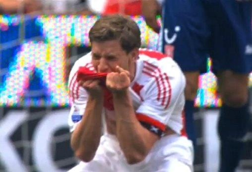 Kippevel bij terug denken aan dit moment. 15 mei 2011. Jan Vertonghen. Ajax. ***