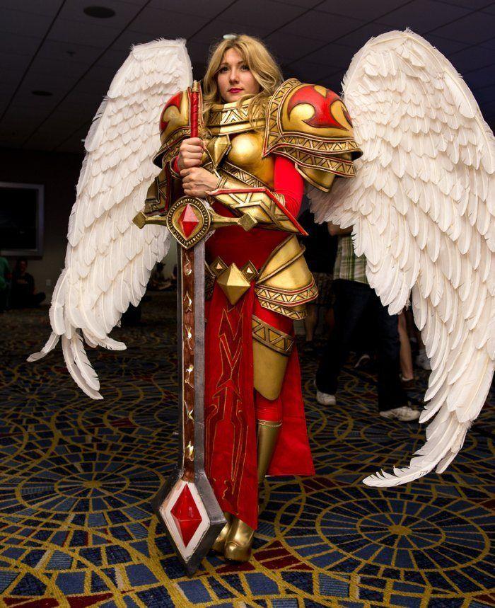 Fantastic Kayle (League of Legends) Cosplay at Dragon Con ...