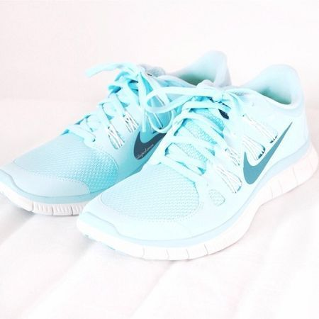 Sooooo Cool!!~~Super website for Men and Women Nike running shoes only 21…