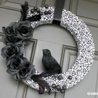 New Year Wreath: Createcraftlov Com Halloween, Black And White, Colors Schemes, Wreaths Aka, Aka Nevermor, White Colors, Halloween Wreaths, Diy, Ravens Wreaths