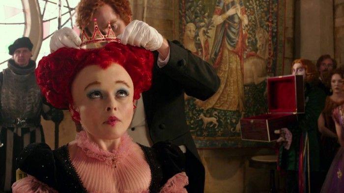 Alice de l'Autre Côté du Miroir - Extrait : Le couronnement de la Reine Rouge