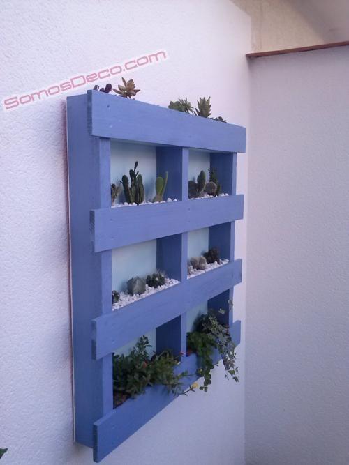 Hacer un macetero invernadero con un palet gardens for Macetero vertical pallet