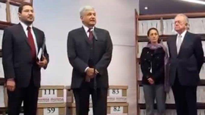 #Morena entrega #firmas al #Senado para pedir una #consultaenergética Mas información: http://goo.gl/FpGQnd