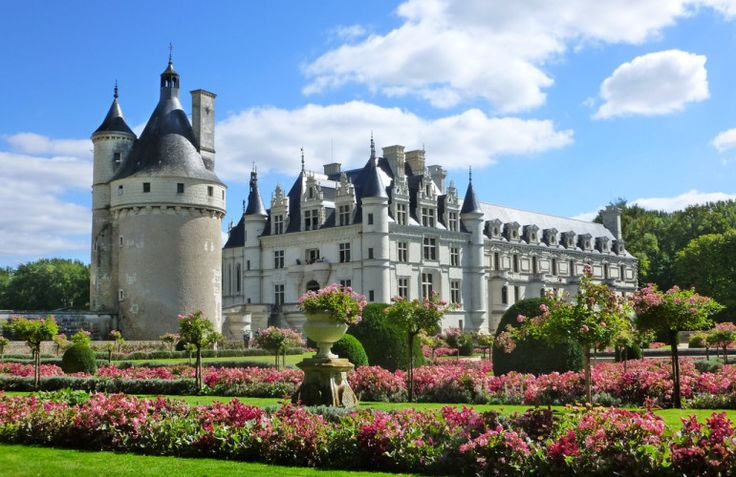 The beautiful fairytale Château Chenonceau - Photo by Guillaume Capron