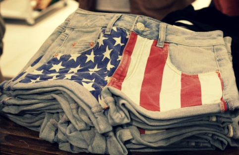 I love this style...this is something I plan on doing to a pair of my old jean shorts--possibly just with paint or sharpie markers. Cheap and easy!