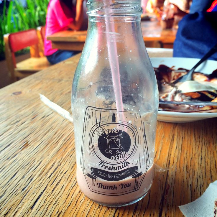 Momo Milk Barn in Bogor. Grab you fresh milk there!   Nb: Can't take away on weekend.