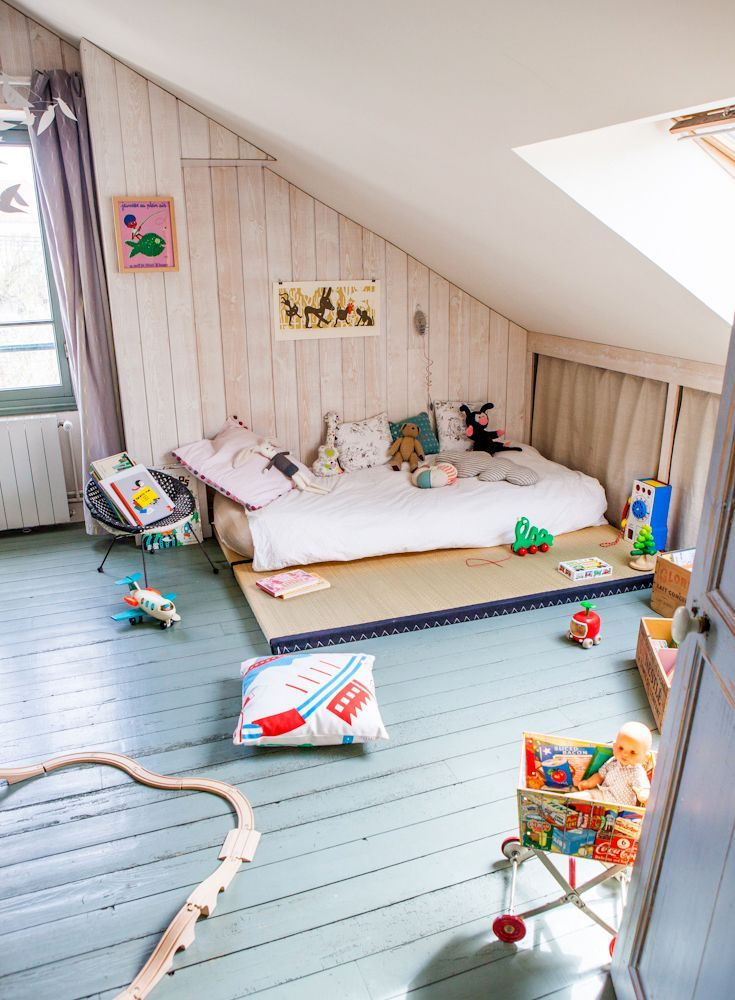 I've been trying to find this one! Love the platform for a Montessori bed. So simple.