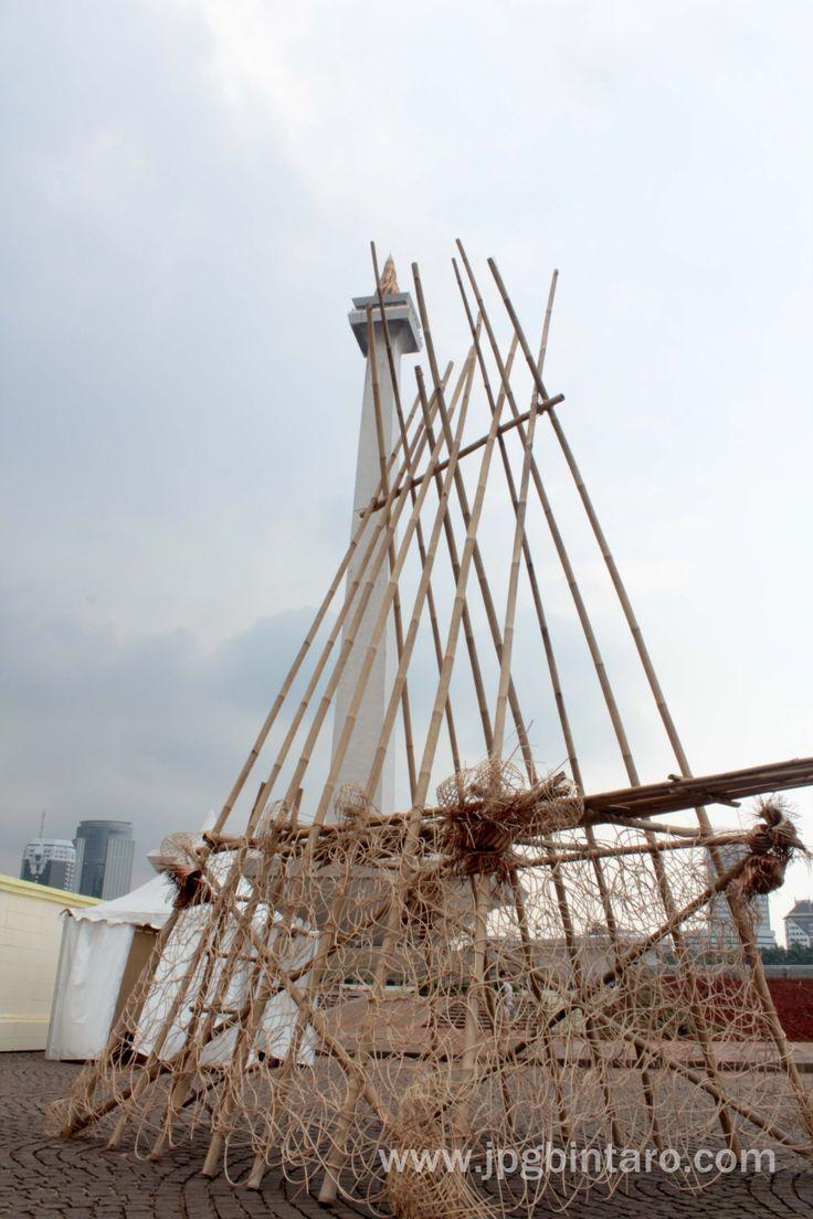 Instalasi Bambu di Monas 6 Desember