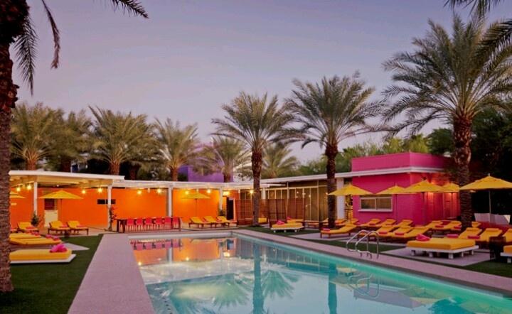 Swingers hotel in palm springs ca