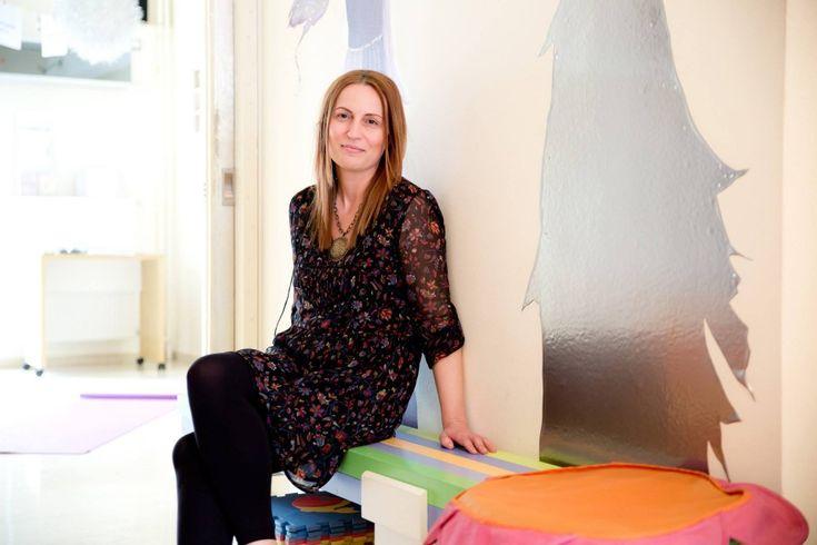 Η ιδρύτρια της εταιρείας «Εμψύχωσις» που πραγματοποιεί βιωματικά προγράμματα για ενήλικες, εκπαιδευτικά προγράμματα για παιδιά και πολιτιστικές δράσεις εξηγεί πως μπορούμε να κατανοήσουμε καλύτερα τον εαυτό μας και τους άλλους μέσω των τεχνών.