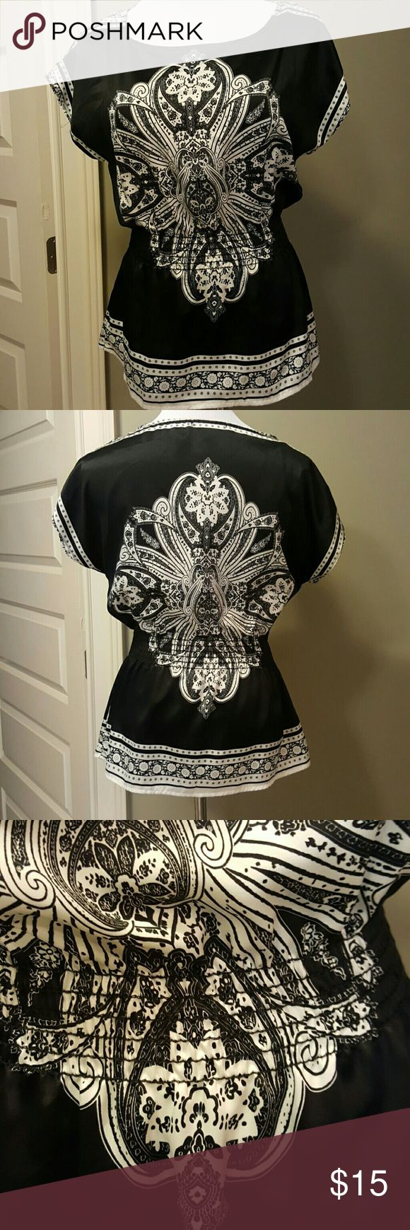 Beautiful scarf top Black and white scarf top with smocked cinch waist. Worn once. In like new condition.   Fabric Content 100% Polyester Papaya Tops