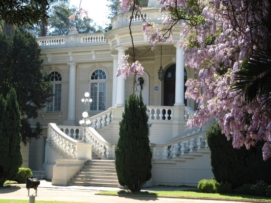 Palacio Rioja (Quinta Rioja)  This French-style palace was built by Alfredo Azancot for banker Fernando Rioja in 1906. It was once surrounded by ornamental gardens much larger than those found today and has belonged to the local municipal authorities since 1956.