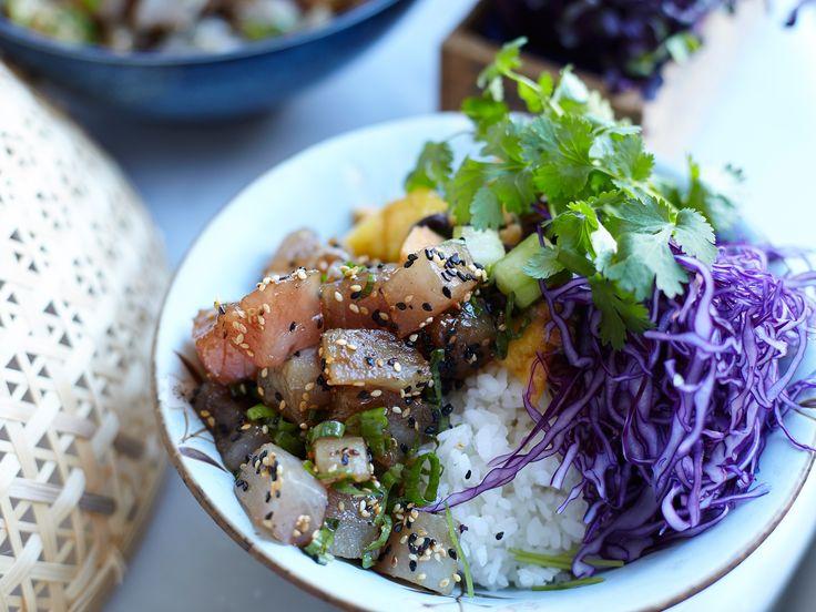Poké bowl med tonfisk och papayasalsa | Recept från Köket.se