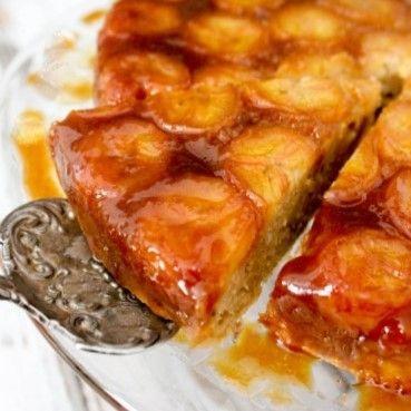 Combinatia de banane si caramel da un rezultat senzational. O prajitura delicioasa foarte usor si rapid de facut.