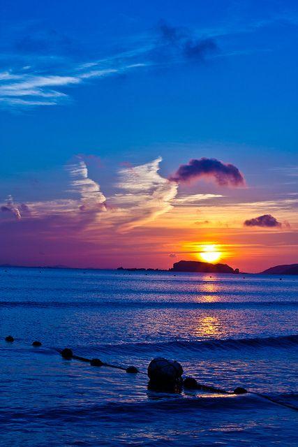 rising sun, via Flickr.