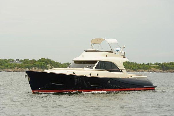 2013 Mochi Craft FLY BRIDGE Power Boat For Sale - www.yachtworld.com