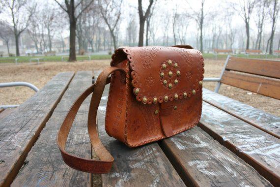 Vintage brown tooled leather bag purse tooled by TaylorGirlsShop