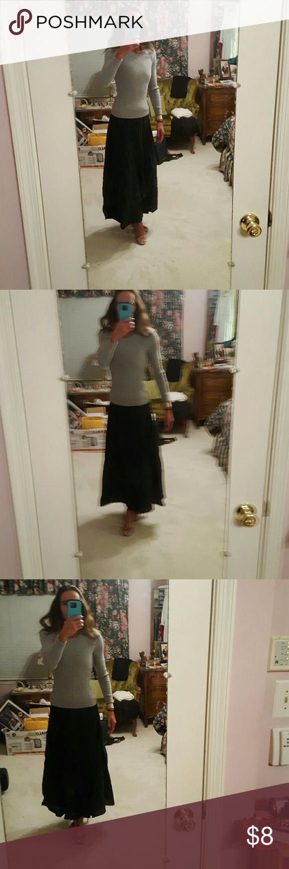 Old Navy straight line black skirt. Like new Old Navy straight line black skirt. Worn maybe 3 times. In Pristine condition. Accepting offers. Old Navy Skirts A-Line or Full