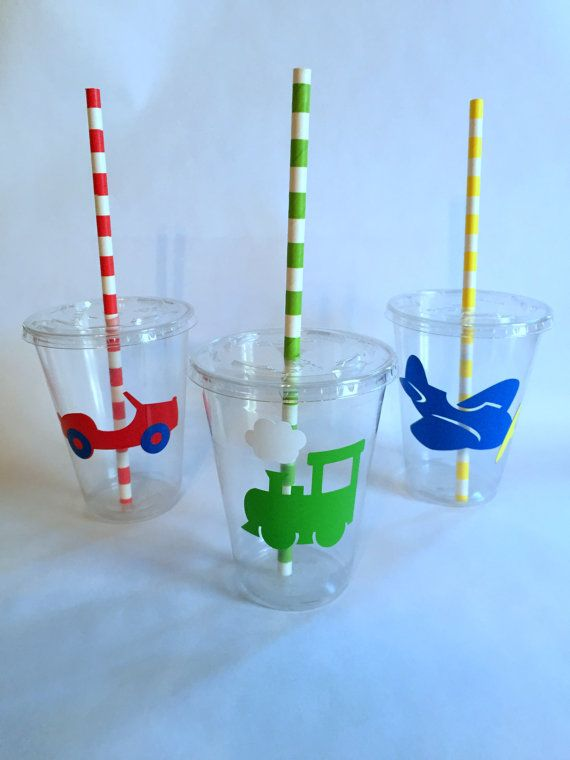 Decorate your party with these fun and colorful cups with Things That Go. These will definitely give your party the graphic, coordinated and special