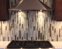 vertical backsplash a bit busy for the kitchen but would love in the bathroom