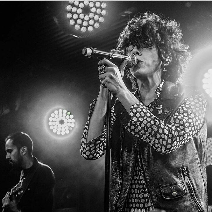 21 vind-ik-leuks, 1 reacties - LP (@iamafanlp) op Instagram: 'OMG . This is the most beautiful photo in last time. ❤ @iamlpofficial '