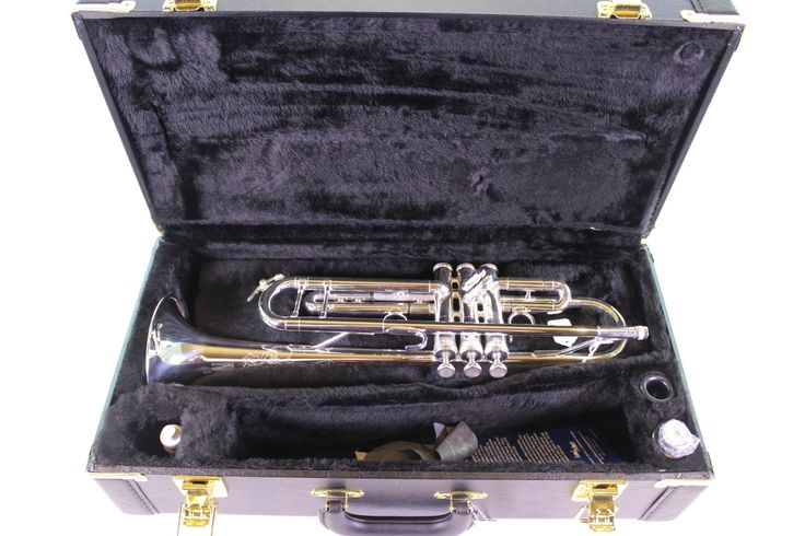 King 'Silver Flair' 2055S Professional Trumpet MINT CONDITION