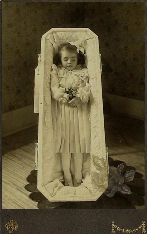 Post mortem photography, precious angel dress so beautiful, so very sad...
