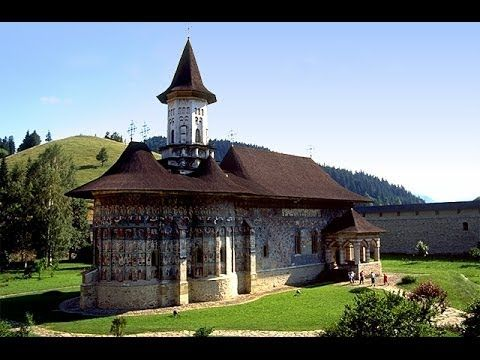 Dedicated to Invierea Domnului (the Resurrection), the monastery was founded by the Abbot Gheorghe Movila and his brother, and build between 1584-86.